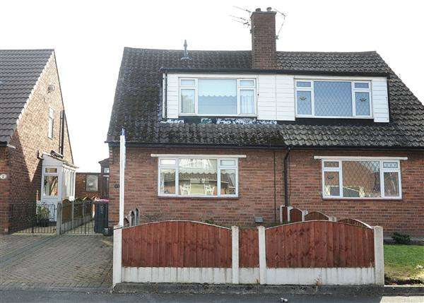 3 Bedrooms Semi Detached House for sale in 13 Sussex Road, Cadishead, M44 5HS