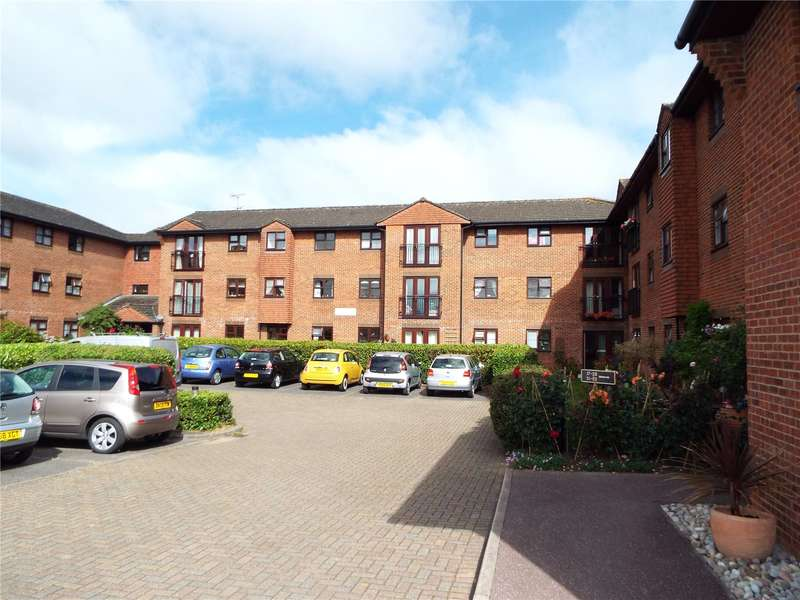1 Bedroom Flat for sale in St. Georges Court, St. Georges Road, Addlestone, Surrey, KT15