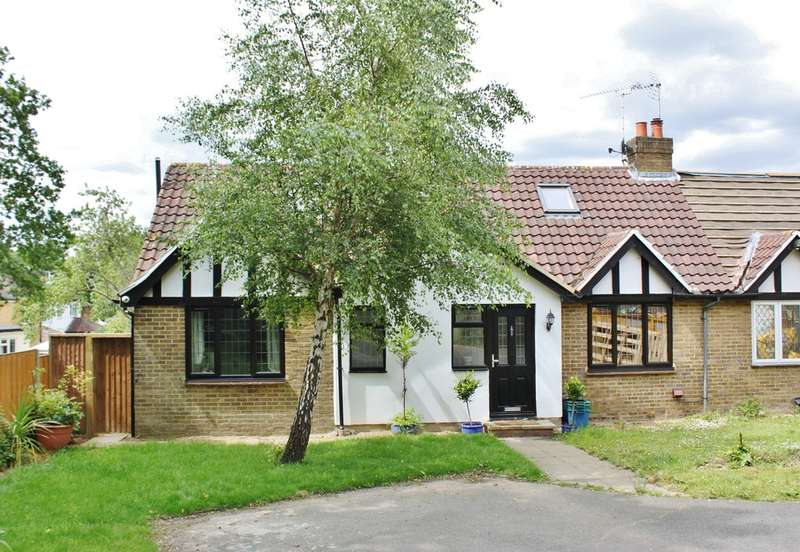 4 Bedrooms Semi Detached House for sale in Whitehall Road, Woodford Green