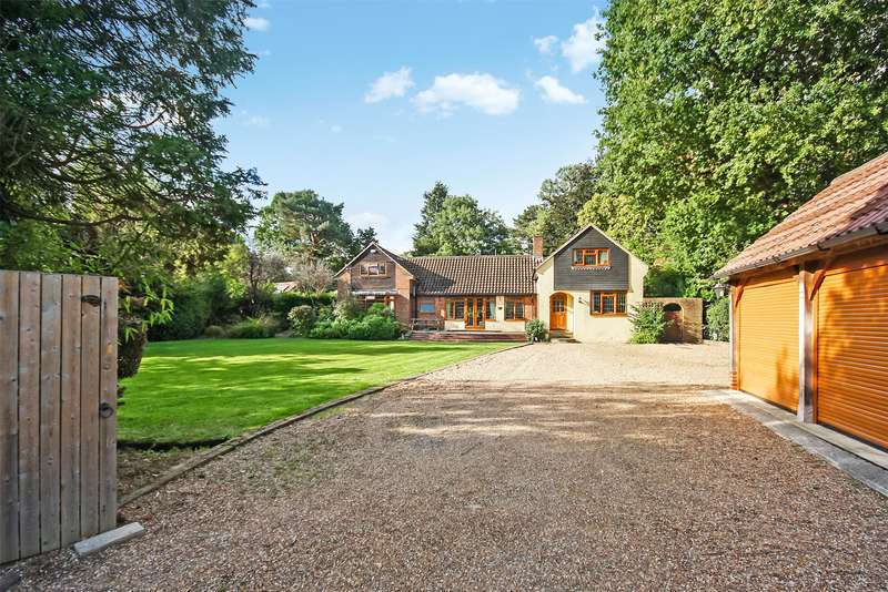 5 Bedrooms Detached House for sale in Glovers Road, Charlwood, RH6