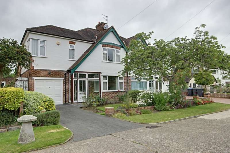 3 Bedrooms Semi Detached House for sale in Spring Court Road, Enfield, EN2