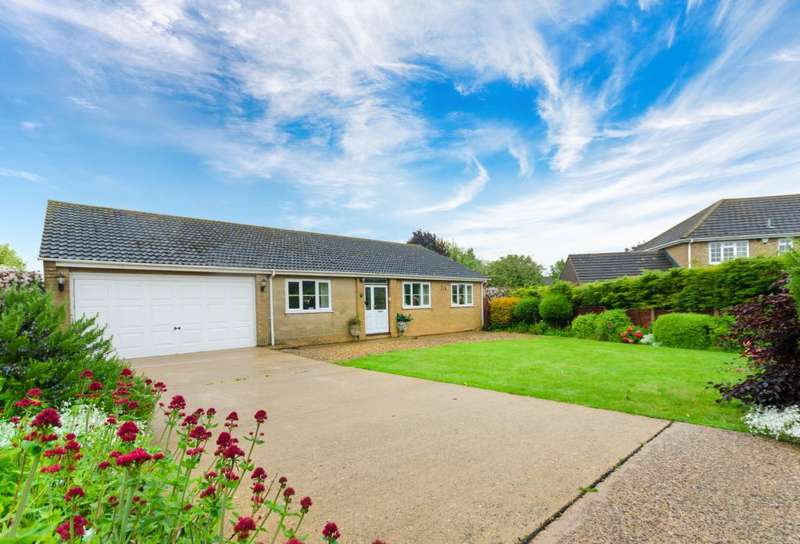 4 Bedrooms Detached Bungalow for sale in Belvoir Close, Colsterworth, Lincolshire, NG33
