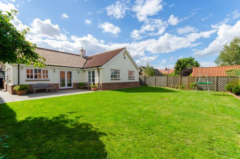 4 Bedrooms Detached Bungalow for sale in Woolsthorpe Lane, Muston, NG13