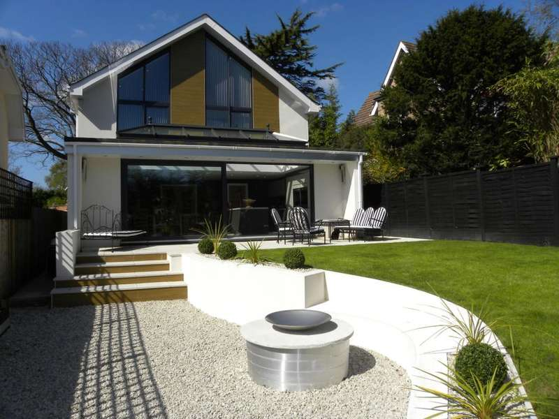 4 Bedrooms Detached House for sale in St Peters Road, Lower Parkstone, Poole, BH14