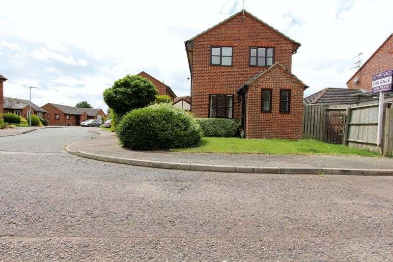 3 Bedrooms Detached House for sale in Chestnut Drive, Soham