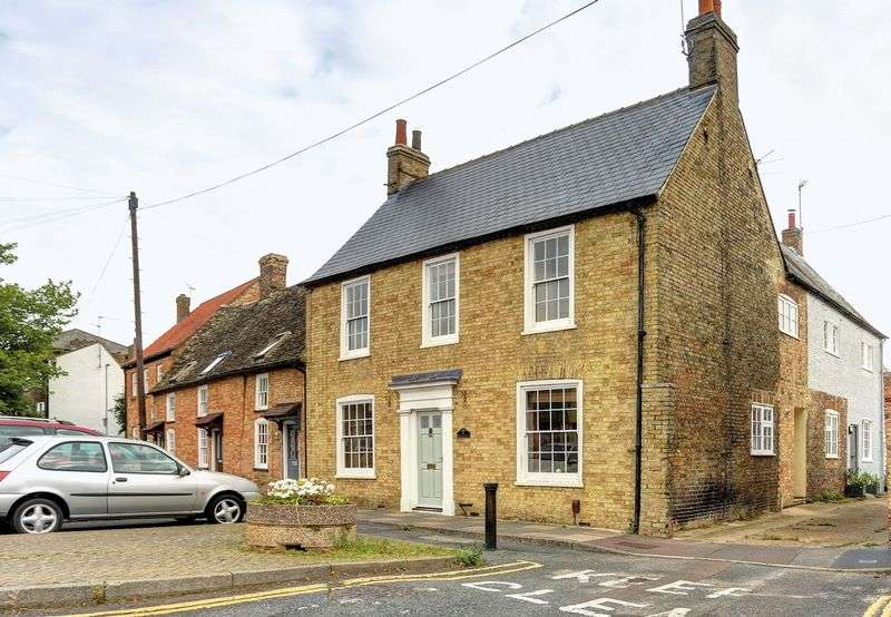 5 Bedrooms House for sale in Waterside, Ely