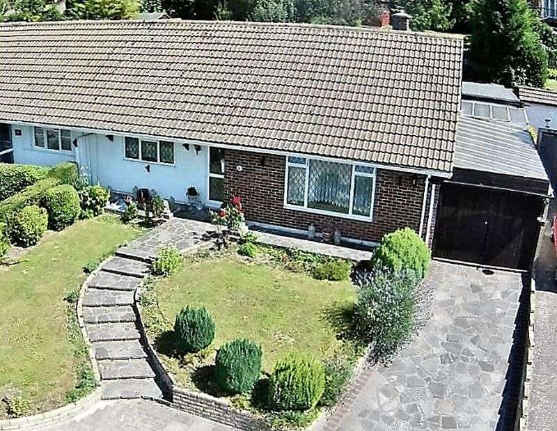 2 Bedrooms Semi Detached Bungalow for sale in Glentrammon Avenue, Orpington