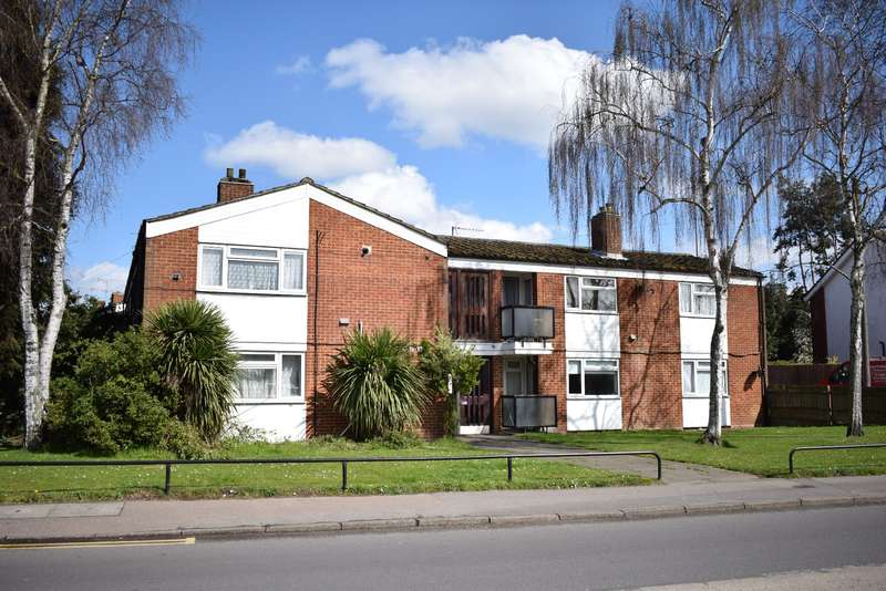 2 Bedrooms Flat for sale in Langley 0.3 Miles to Train station