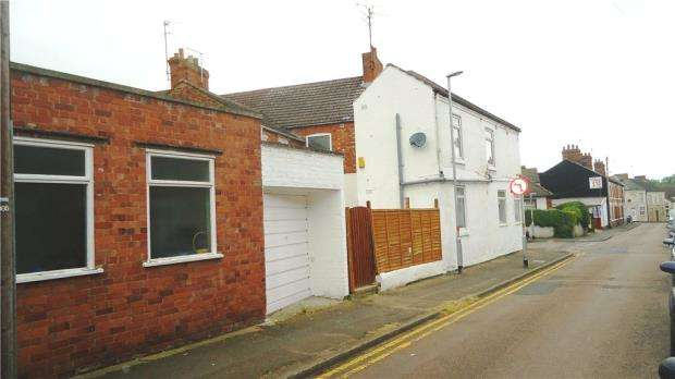 2 Bedrooms Apartment Flat for sale in Montague Street, Rushden