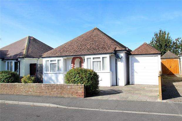 2 Bedrooms Detached Bungalow for sale in Worthing Road, East Preston, West Sussex, BN16
