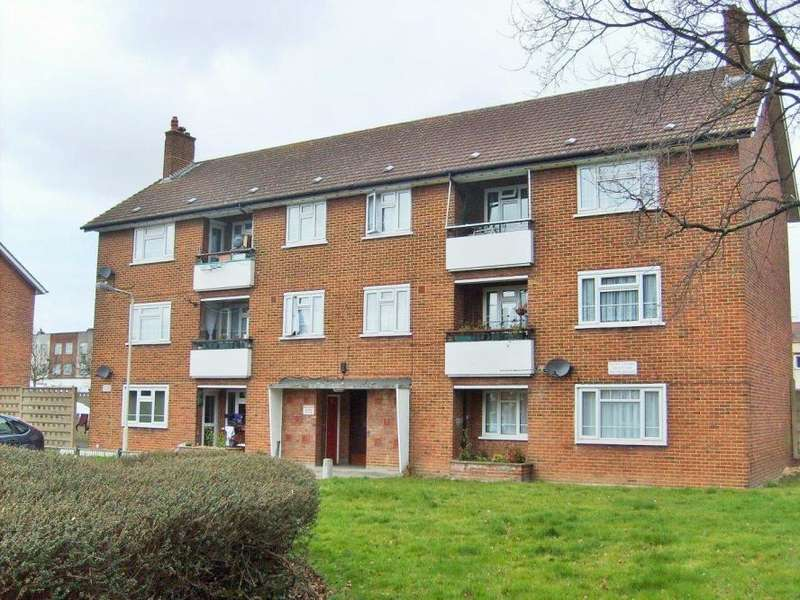 3 Bedrooms Apartment Flat for sale in SUFFOLK COURT, NEWBURY PARK