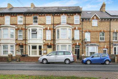 2 Bedrooms Maisonette Flat for sale in Taunton, Somerset