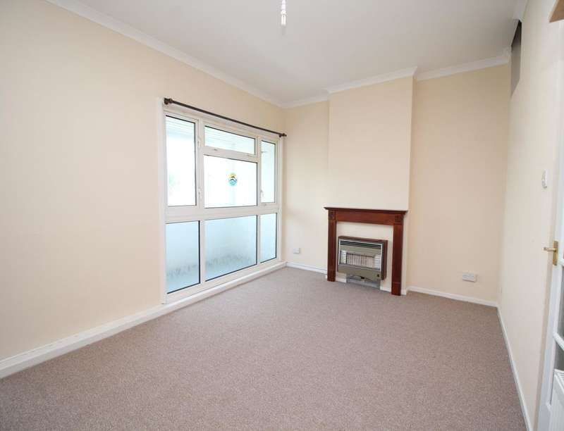 3 Bedrooms Flat for sale in Maple Gardens, Bognor Regis, PO22