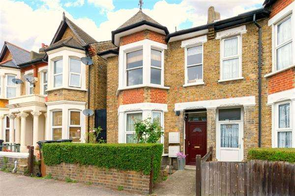3 Bedrooms Apartment Flat for sale in Comerford Road, Brockley