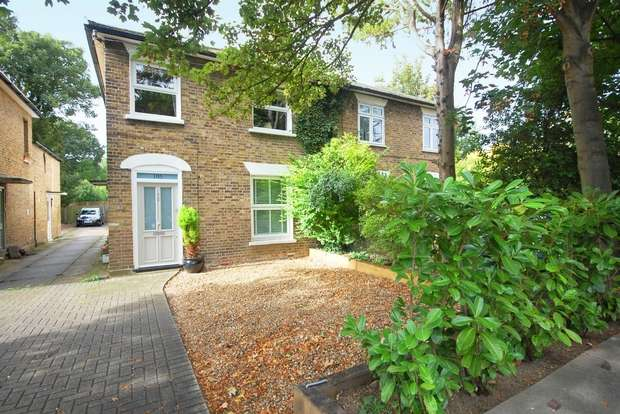 1 Bedroom Flat for sale in Uxbridge Road, Hampton Hill