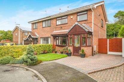 3 Bedrooms Semi Detached House for sale in Merevale Close, Beechwood, Runcorn, Cheshire, WA7