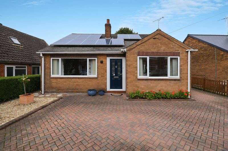 3 Bedrooms Bungalow for sale in Bridge Road, Doncaster, DN4