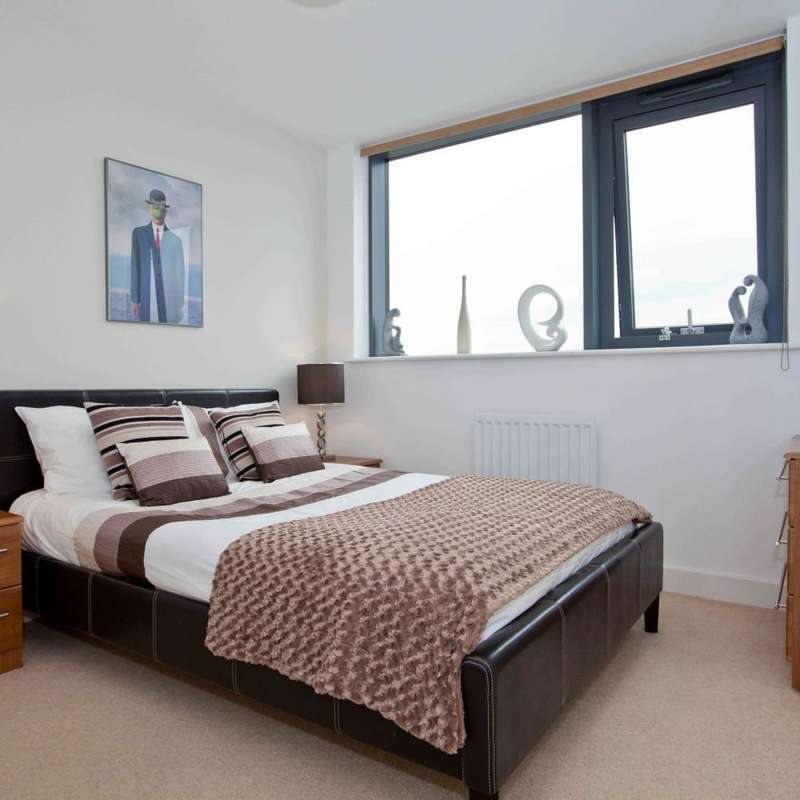 3 Bedrooms Apartment Flat for sale in Proton Tower, Blackwall Way, London E14
