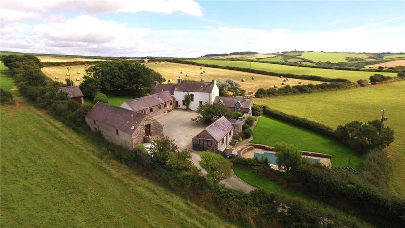 6 Bedrooms Farm House Character Property for sale in Pantier, Roch, Haverfordwest, Pembrokeshire