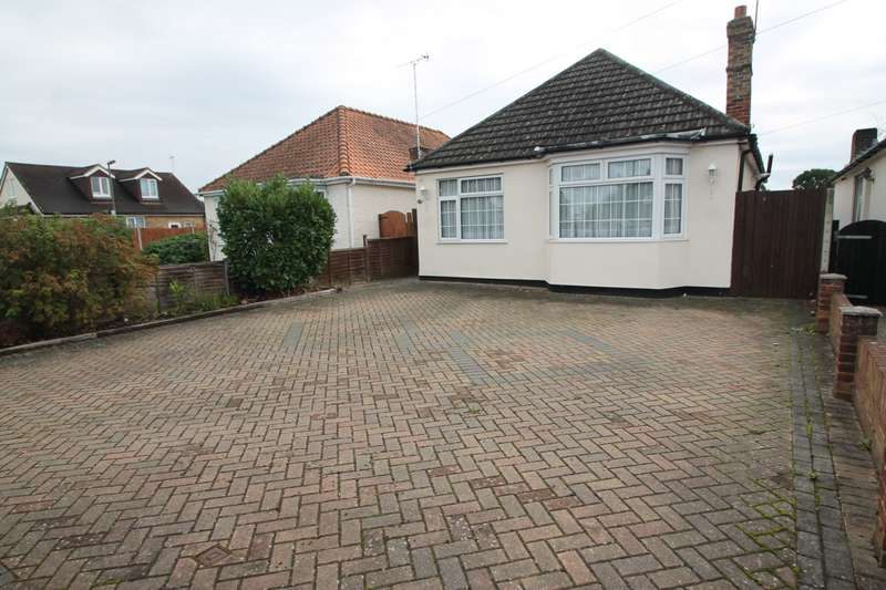 4 Bedrooms Detached Bungalow for sale in Feltham Road, Ashford, TW15