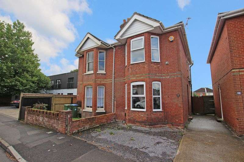 3 Bedrooms Semi Detached House for sale in Woolston