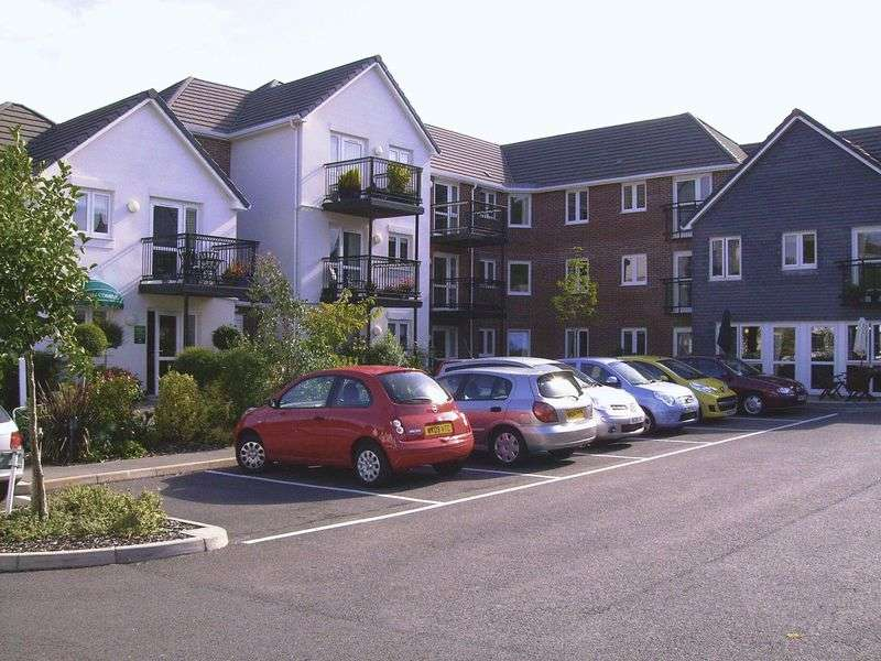1 Bedroom Retirement Property for sale in Olde Market Court, Wadebridge, PL27 7LY