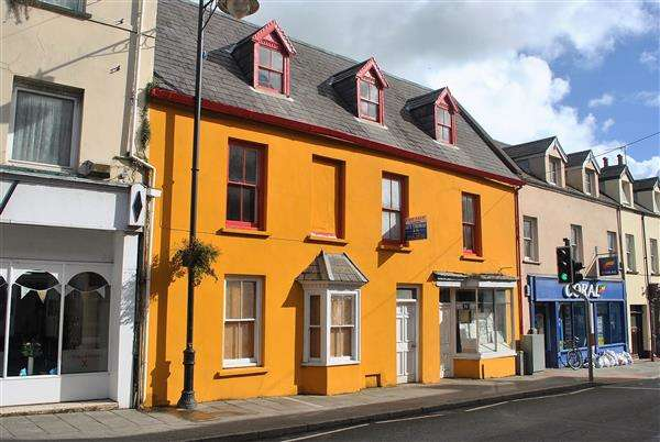 4 Bedrooms Commercial Property for sale in 36 Main Street