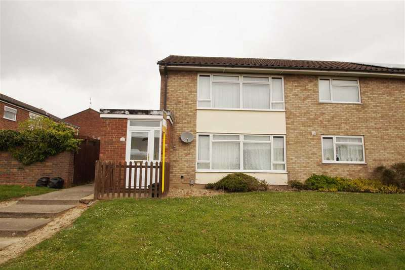 3 Bedrooms Maisonette Flat for sale in Hamlet Drive, Colchester