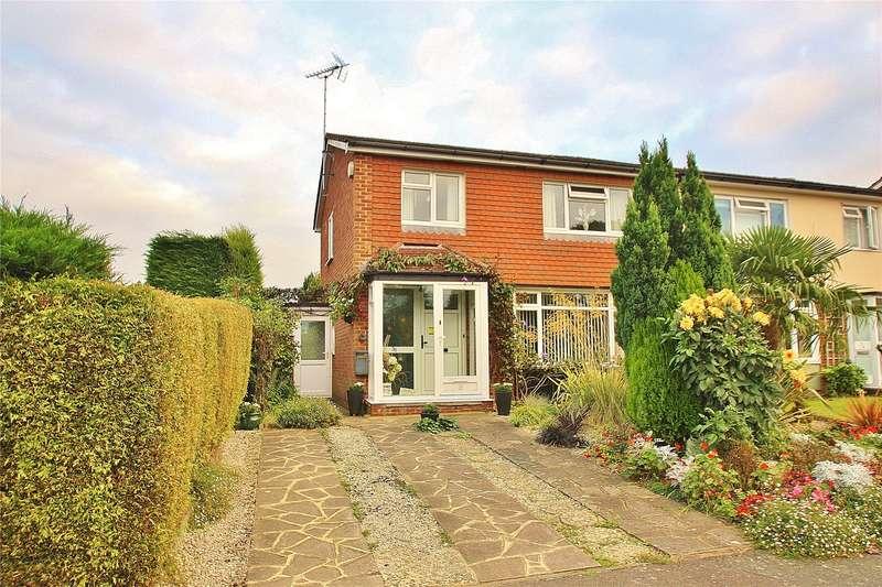 3 Bedrooms Semi Detached House for sale in Cobbetts Walk, Bisley, Woking, Surrey, GU24