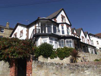 2 Bedrooms Maisonette Flat for sale in Ventnor, Isle Of Wight