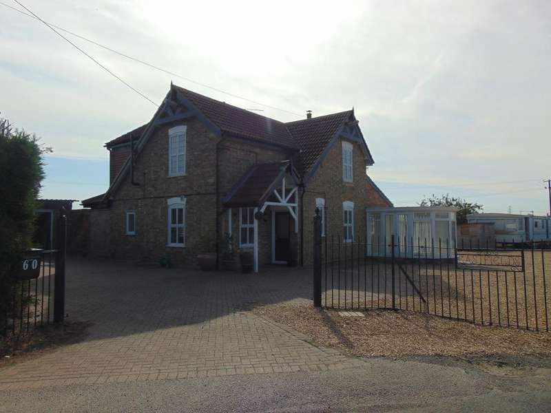 3 Bedrooms Detached House for sale in Sparrowgate Road, Walsoken, Wisbech, Cambridgeshire, PE14 7AY