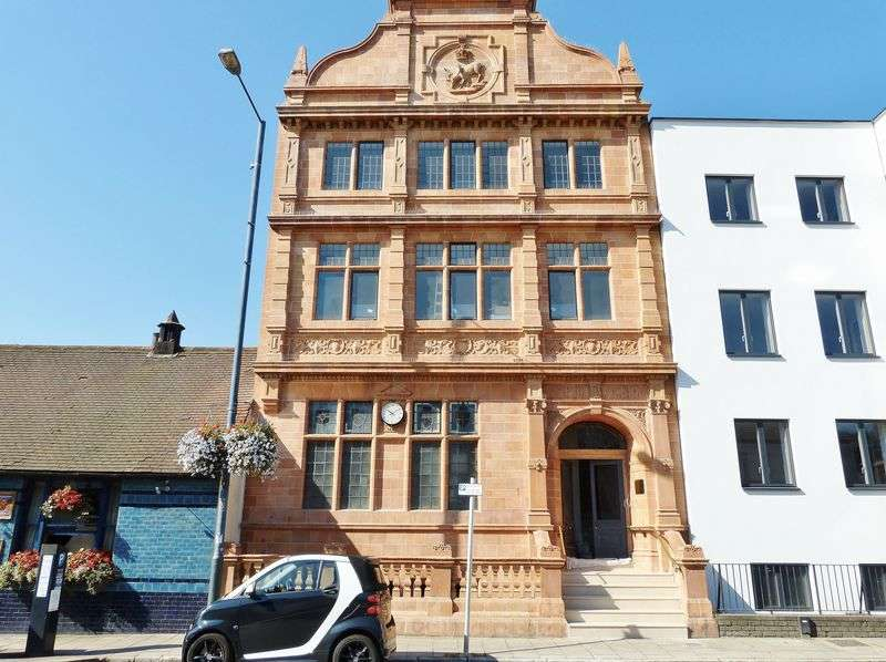 2 Bedrooms Flat for sale in High Street, Hampton Wick KT1