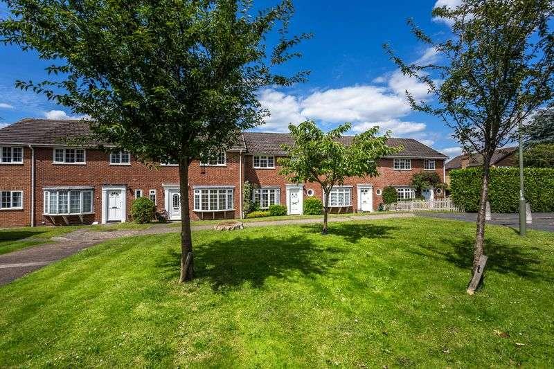 3 Bedrooms Terraced House for sale in Englehurst, Englefield Green