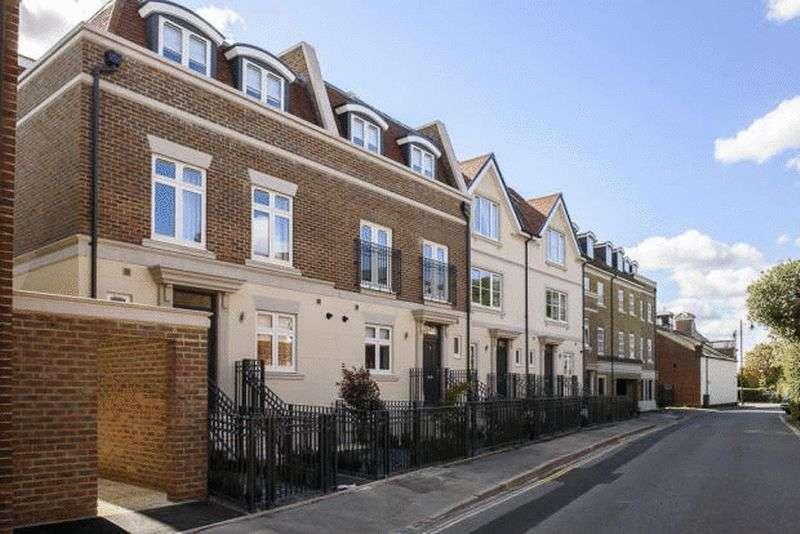 5 Bedrooms Flat for rent in Eton Court, Eton