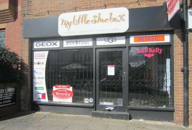 Commercial Property for rent in SUNNINGHILL HIGH STREET - Flexible Lease on Retail Shop with Class A1 classification