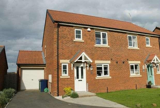 3 Bedrooms Semi Detached House for sale in Hylton Avenue, Skelton