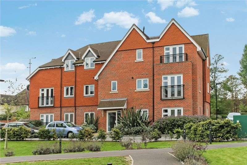 2 Bedrooms Flat for sale in Burpham