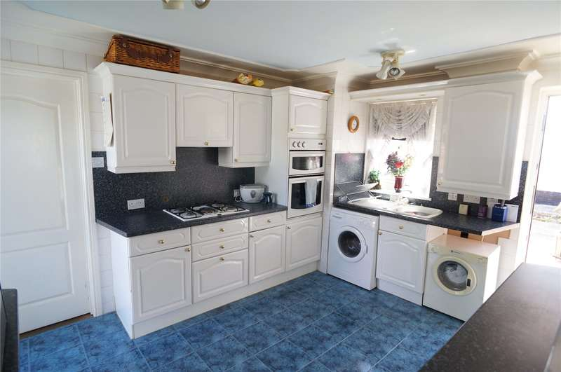 3 Bedrooms Semi Detached Bungalow for sale in Plover Close, Chatham, Kent, ME5