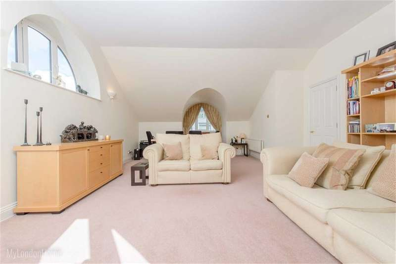 2 Bedrooms Property for sale in Churchill House, Westminster Square, Waterloo, London, SE1