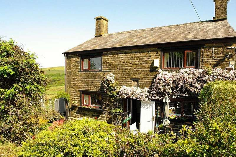 4 Bedrooms Detached House for sale in Top O'th Meadows, Strinesdale, Saddleworth