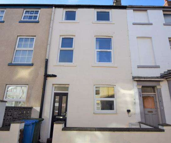 4 Bedrooms Terraced House for sale in James Street, Scarborough, North Yorkshire YO12 7PH