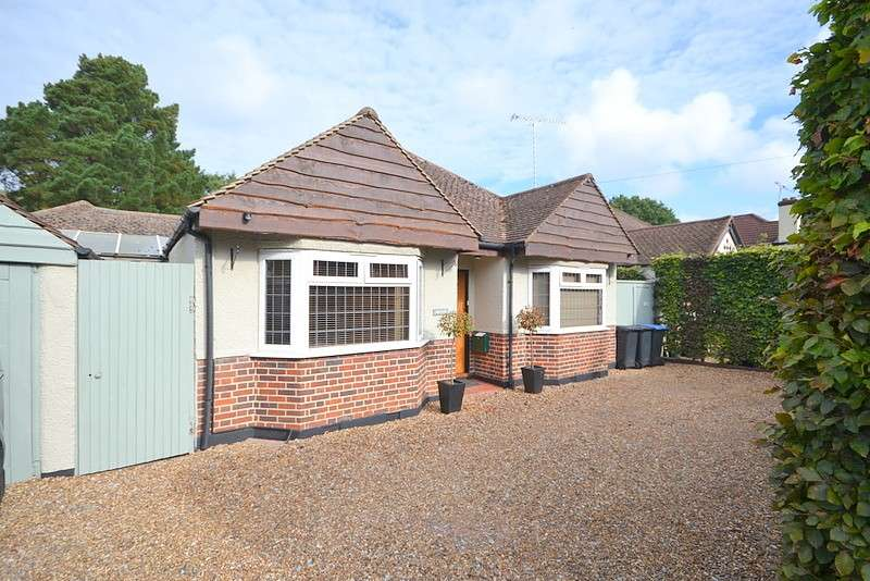 4 Bedrooms Detached Bungalow for sale in West Byfleet