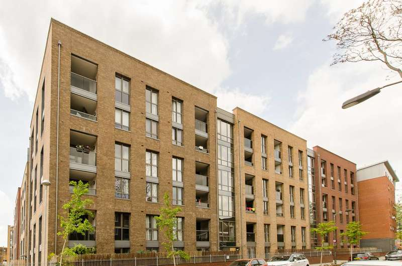 2 Bedrooms Flat for sale in Silwood Street, Rotherhithe, SE16