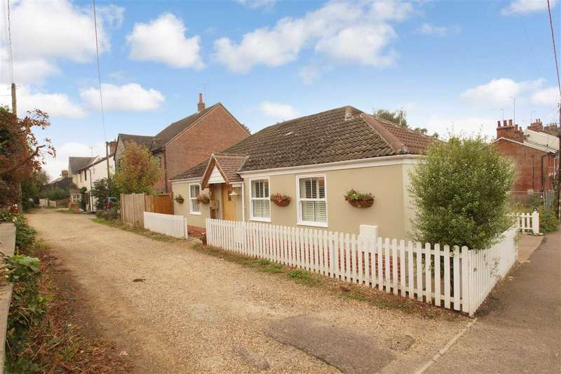 3 Bedrooms Detached House for sale in Queens Road, Wivenhoe, Colchester
