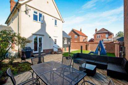 3 Bedrooms Link Detached House for sale in Glemsford, Sudbury, Suffolk