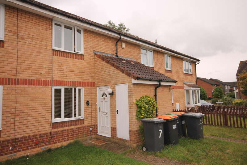 2 Bedrooms Terraced House for sale in Heather Gardens, Riverfield, Bedford, MK41