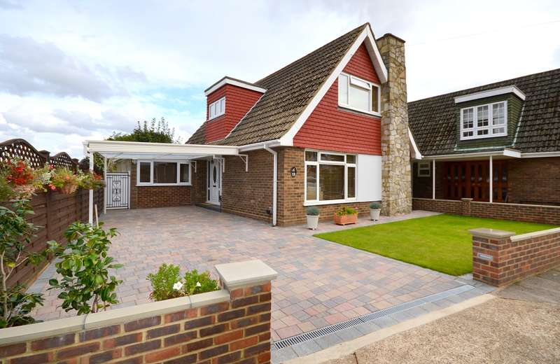 3 Bedrooms Detached House for sale in Lower Sunbury