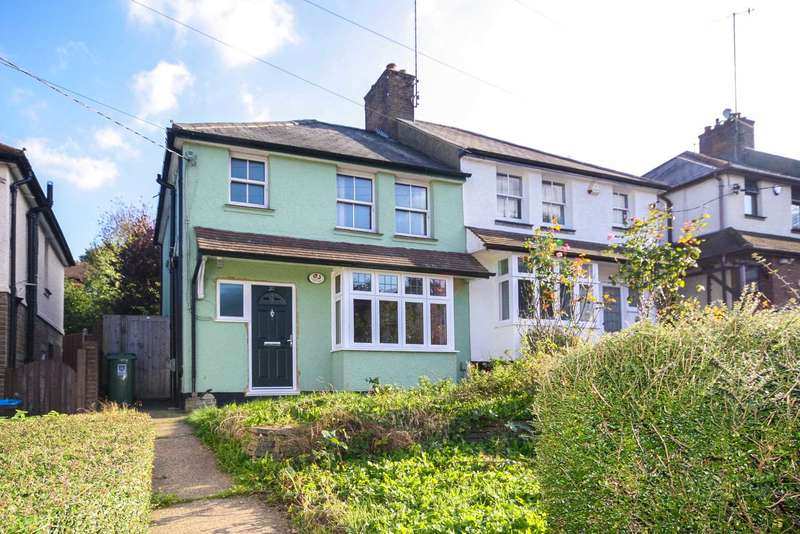 3 Bedrooms Semi Detached House for sale in Woodlands Avenue, Berkhamsted
