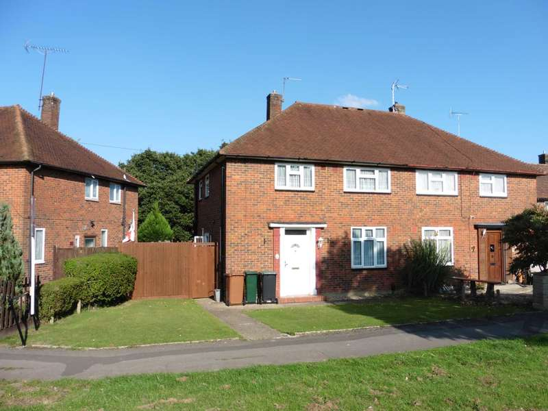 3 Bedrooms Semi Detached House for sale in Heysham Drive, South Oxhey