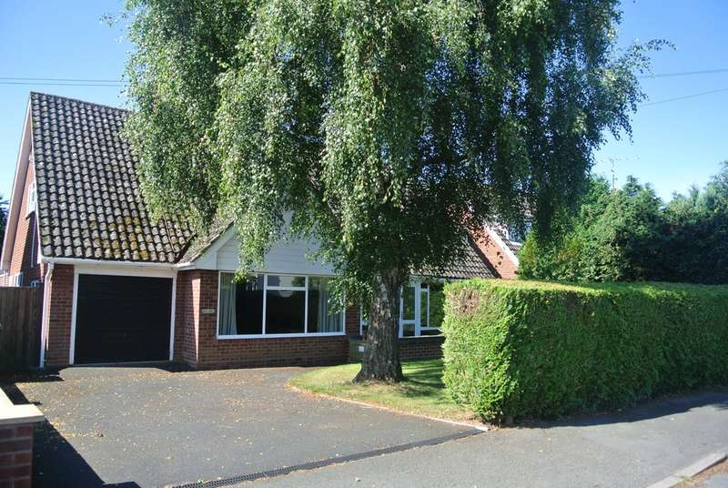 4 Bedrooms Detached House for sale in Leys Road, Harvington